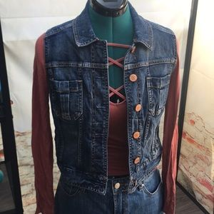 Express Cropped Botton Up Jean Vest with Pockets